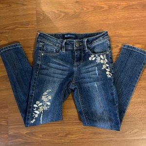 BlueSplice girls size 7 jeans with flower design